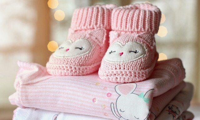 ubranka dla niemowlat, wyprawka dla dziecka, ubranka dla noworodka